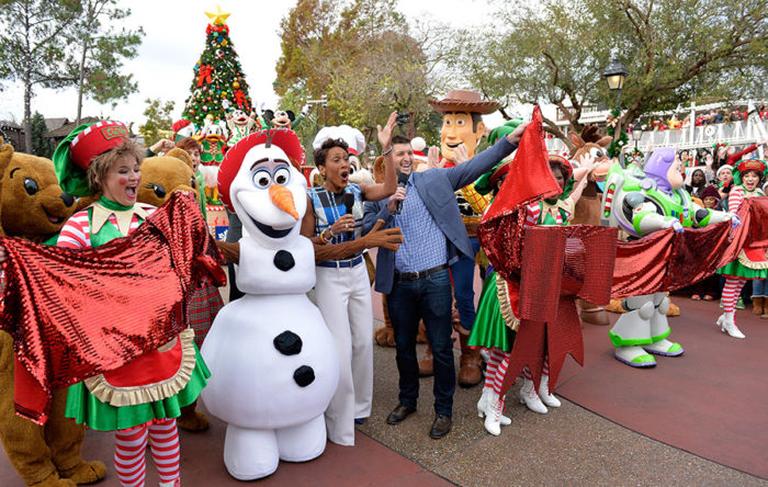 Christmas Day Parade.Abc To Film Disney Parks Christmas Day Parade Special
