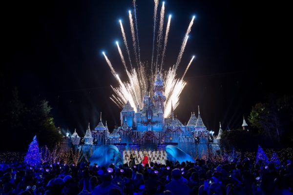 Disney Magic and Celebrities are Abound During 'The Wonderful World of Disney Magic: Magical Holiday Celebration' Airing November 30 1