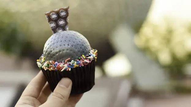 Spaceship Earth Cupcakes