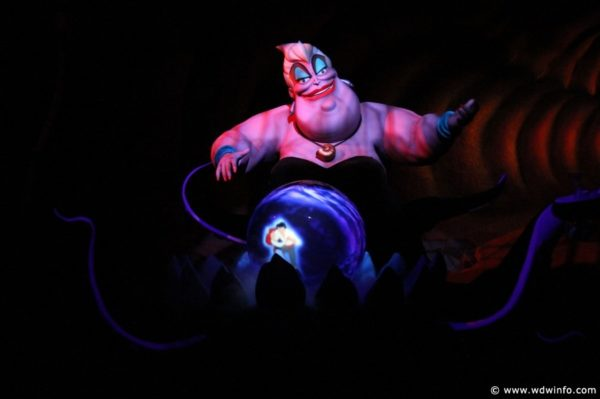 Guests Catch Pictures and Videos of Headless Audio-Animatronics at Disneyland Paris and Disney California Adventure! 1