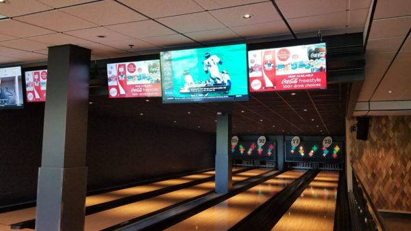 Splitsville Downtown Disney: The Sights and Food 5