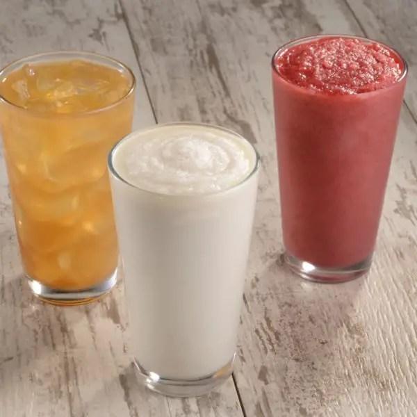 Spyglass Lounge Officially Opens at Disney's Caribbean Beach Resort 5