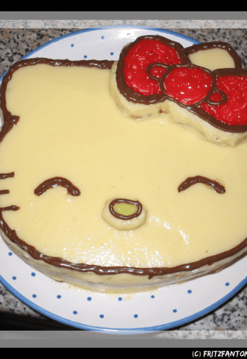 hello_kitty_cake_by_fritzfantom