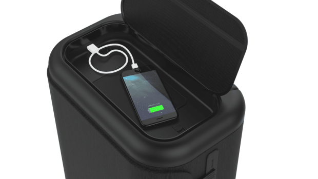 Incase Connected Travel Roller with Portable USB-C Power Station