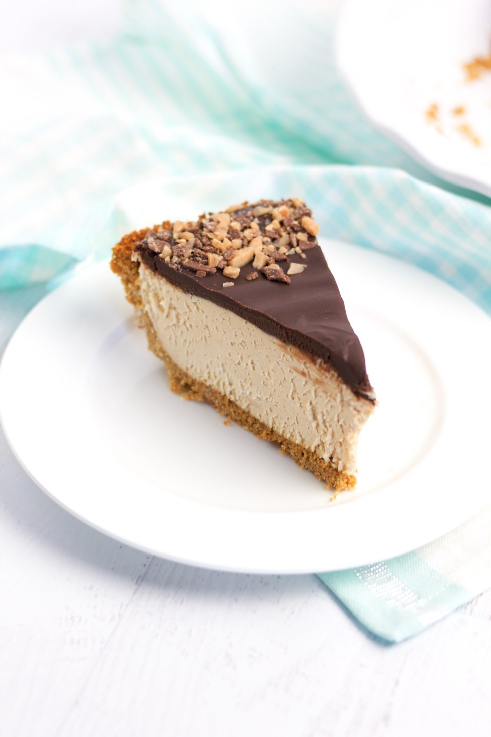 Peanut Butter Cheesecake Pie I chipsandpepper.com
