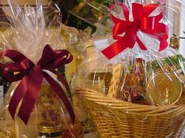 Adding Mystery To Gift Basket Designs