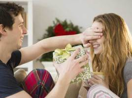 Top Most Gift Ideas to Pamper Your Lady Love This Christmas