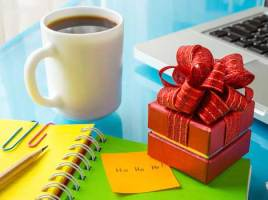 Advertise Your Business Daily With a Gift