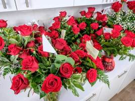 How to Gift Flowers to a Special Someone Using Online Bouquet Delivery