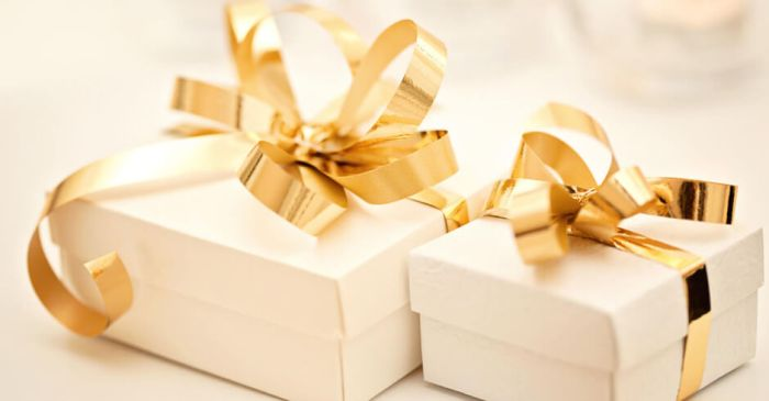 Choosing The Right Gift For Weddings