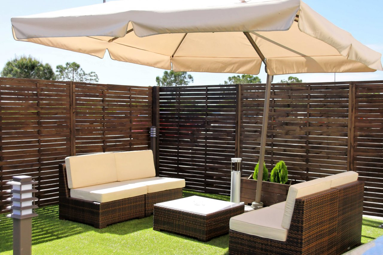Terrazas con muebles de mimbre - Muebles de terraza ...
