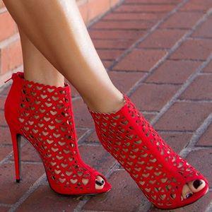 zapatos de tacon rojos rejilla