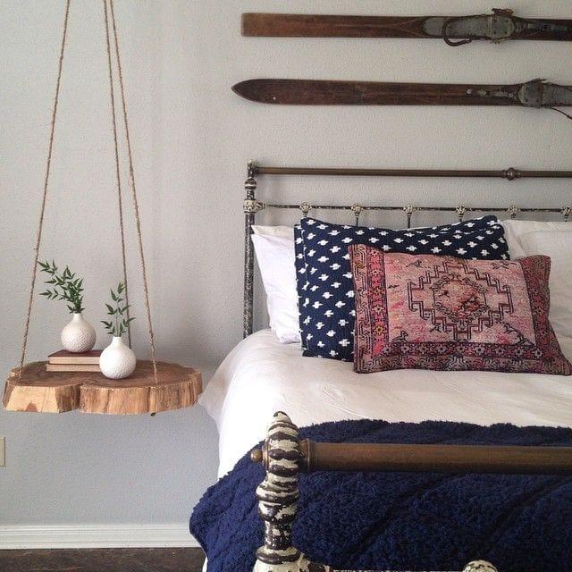 Arredare-casa-con-ceppi-di-legno-Comodino-sospeso