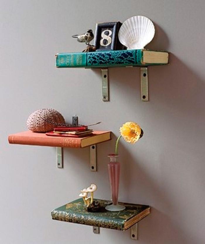 Mensole-realizzate-con-il-riciclo-dei-libri