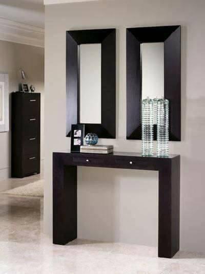 entre los muebles para la entrada tambin podemos considerar pequeas adiciones o estantes equipados de esta manera son una excelente solucin para