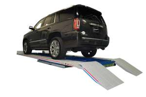 Frame Straightening Tool, Level with Car