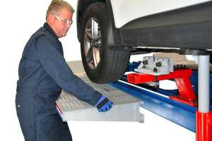 Collision Repair Supplies: Arm and Clamp