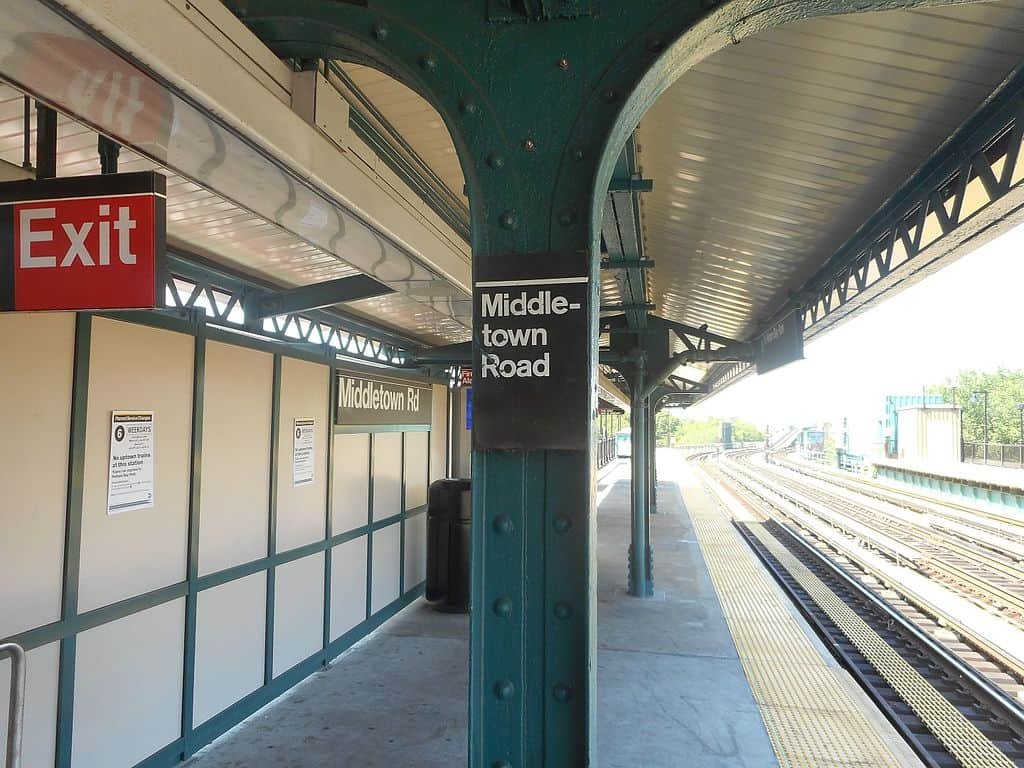 NYC Middletown Rd Subway Station