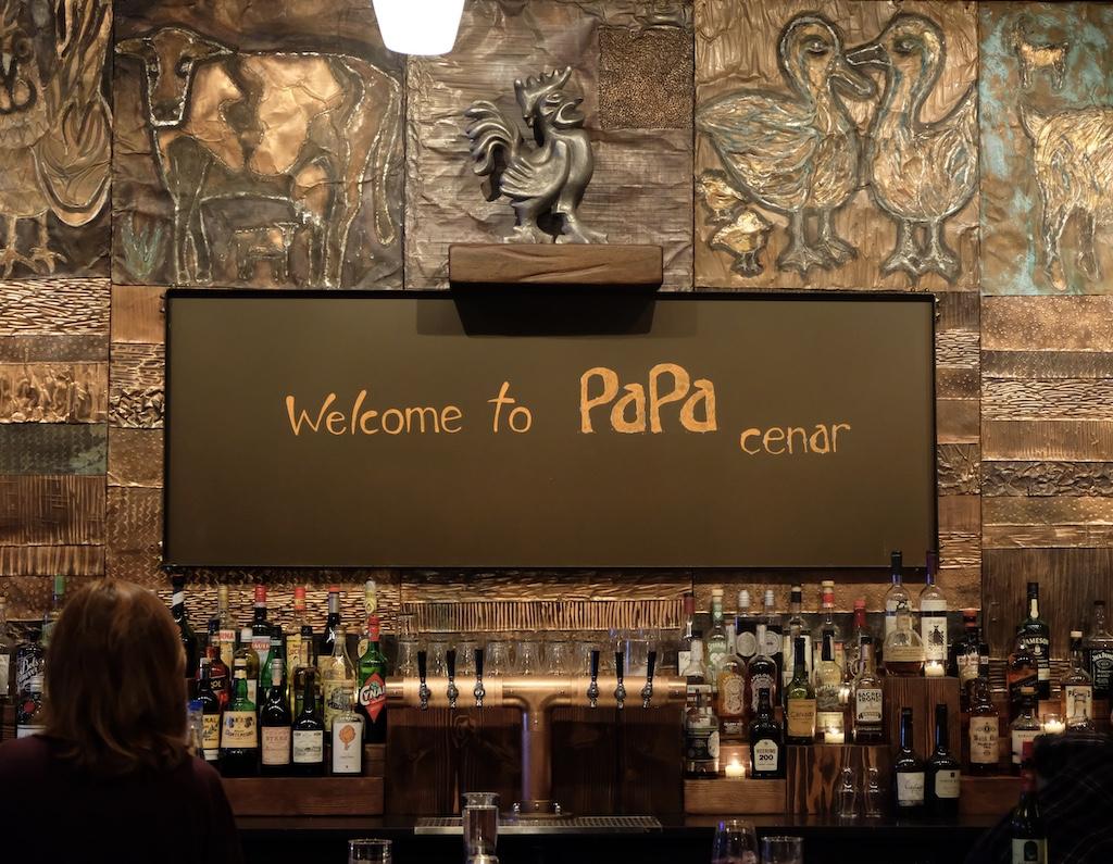 Papa Cenar interior sign