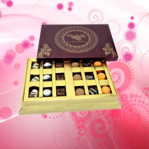 18 pc. Exclusive Chocolate Gift Box
