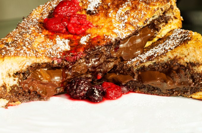 Nutella, dark chocolate, french toast, nutella dark chocolate french toast, chocolate, breakfast, brunch, dessert, recipe, foodporn, delicious, yummy, nutella chocolate