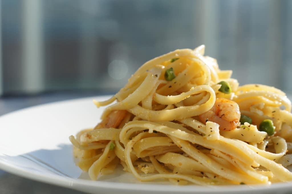 Lemon Fettuccine Pasta Garlic Shrimps