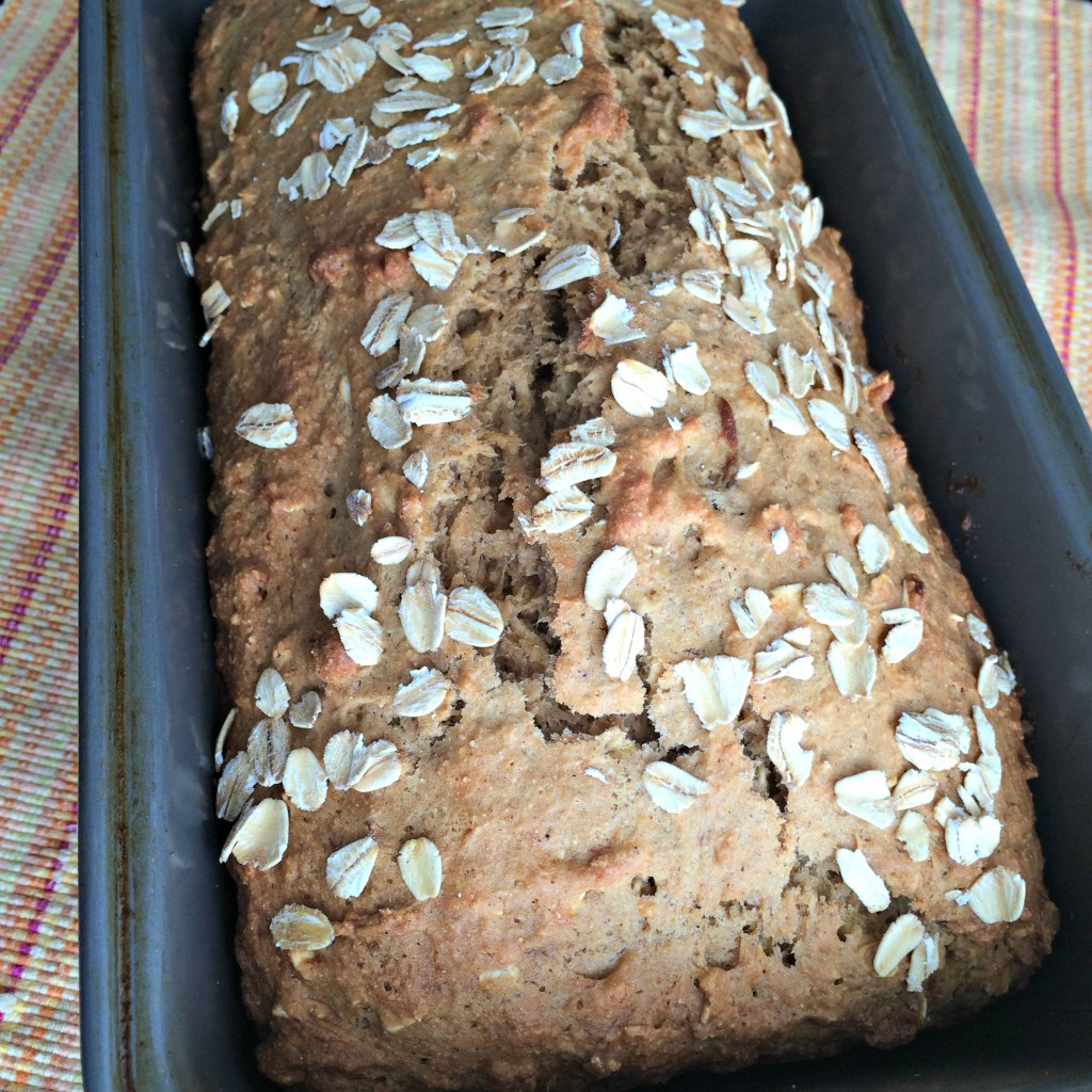 Whole Wheat Oatmeal Banana Bread {and a nutritional comparison of oats}