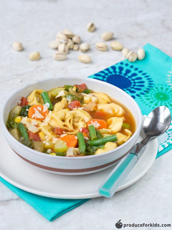 30 Minute Veggie Tortellini Soup