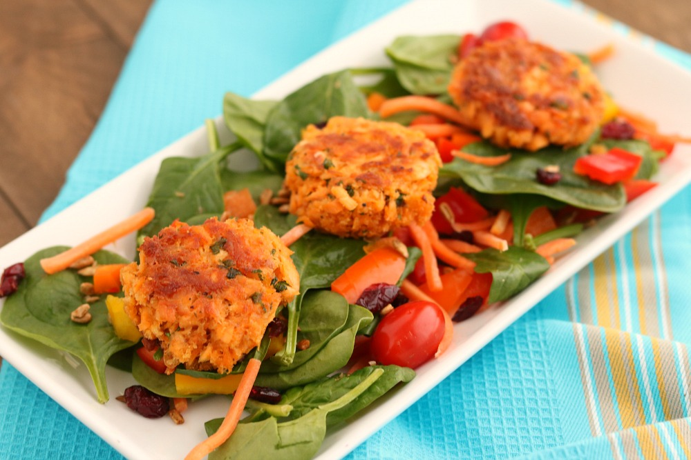 Easy Salmon Cakes {made with Whole Wheat Panko Crumbs}
