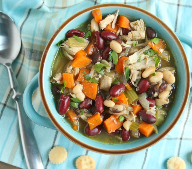 {30 Minute} Leftover Turkey Bean Soup
