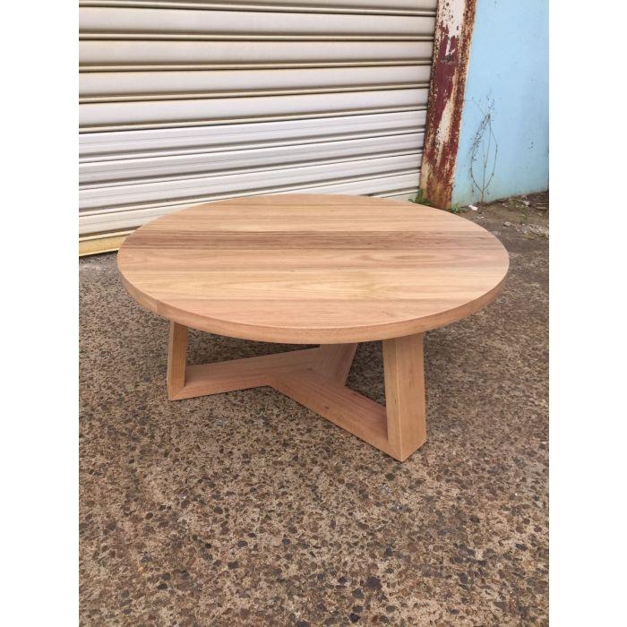 tansy round coffee table 1000mm dia solid tassie oak