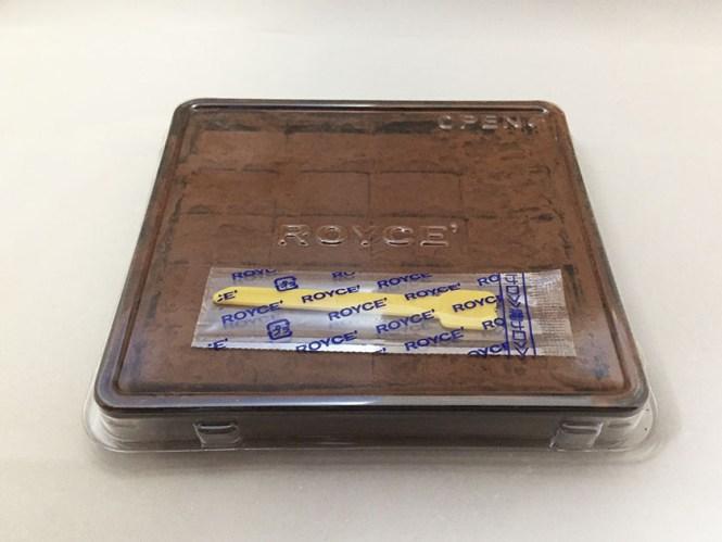 『ロイズ』の「生チョコマイルドミルク」プラスチックケース入り