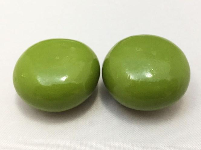 『森永』の「チョコボール宇治抹茶」大きめ緑のチョコボールアップで