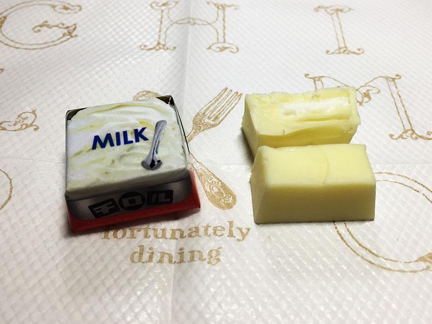 『チロルチョコ』の「冷やして食べゴロっジェラート」ミルク断面もちもち入り