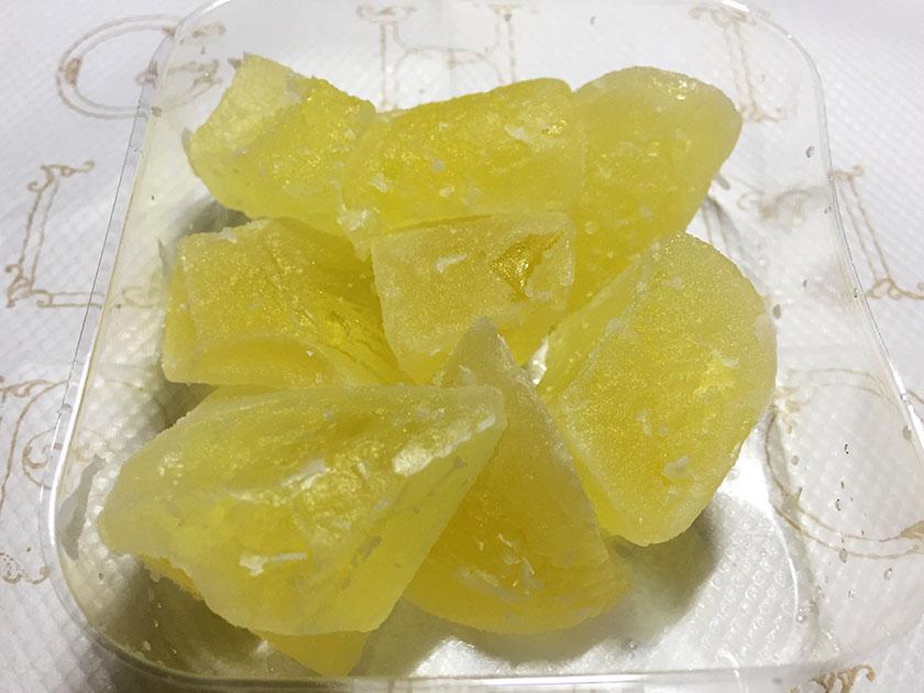 『六花亭』の「夏見舞」砂糖をまぶしてあります