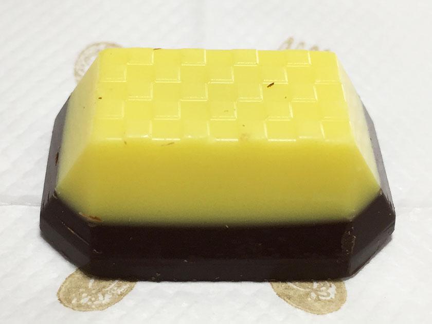『セブンプレミアム』の「バナナチョコレート」大きめの粒