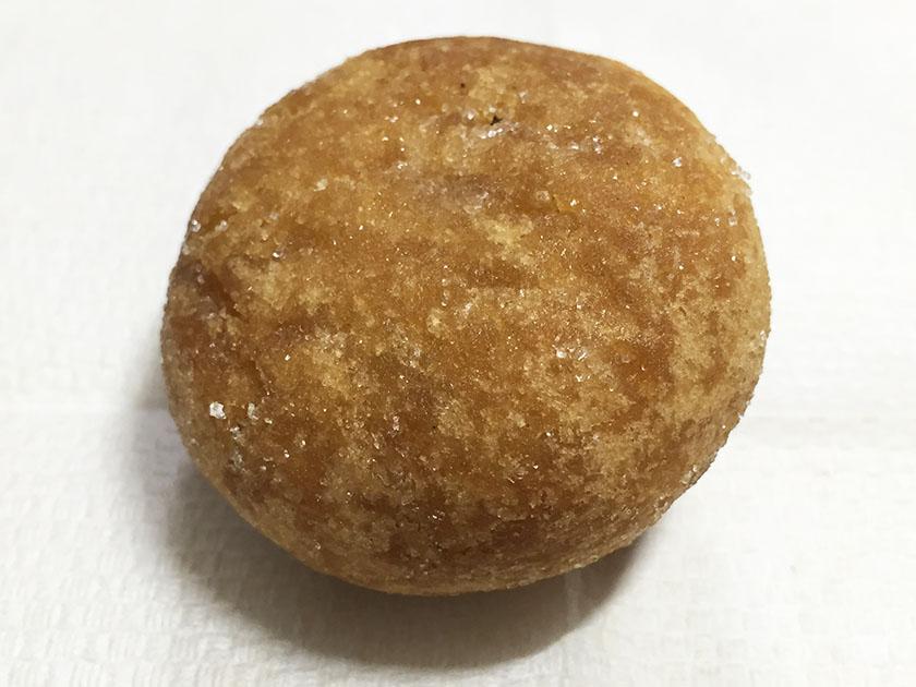 『トップバリュー』の「ひとくちあんドーナツ」砂糖付き