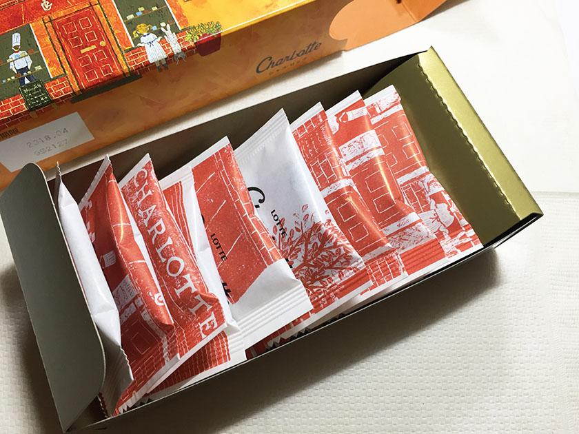 『ロッテ』の「シャルロッテ生チョコレート」スリーブの箱