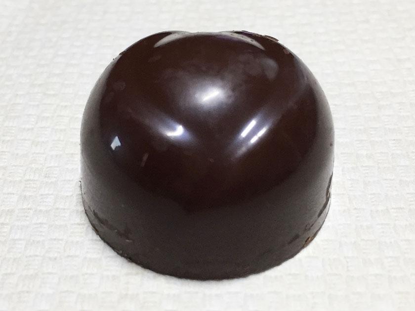 『ロッテ』の「ガーナ生チョコレート芳醇カカオ」芳醇ミルクとほぼ同じ外観