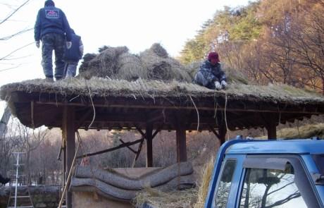 초가지붕시공 - 이엉공사