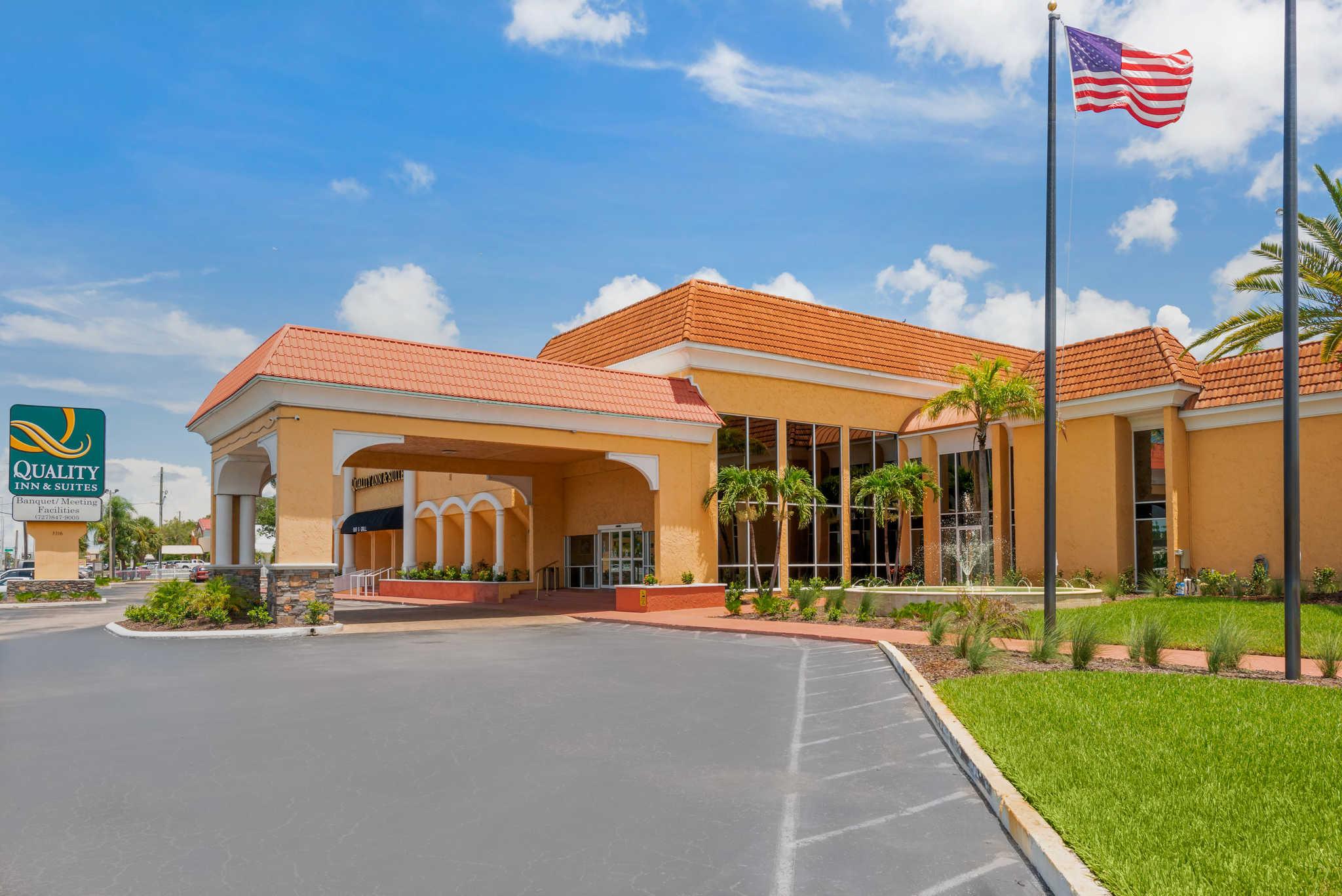 Quality Inn Suites Hotel In New Port Richey Fl