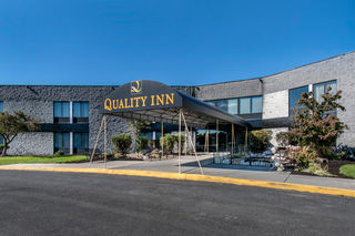 Quality Inn Hotels In Carlisle Pa By Choice Hotels