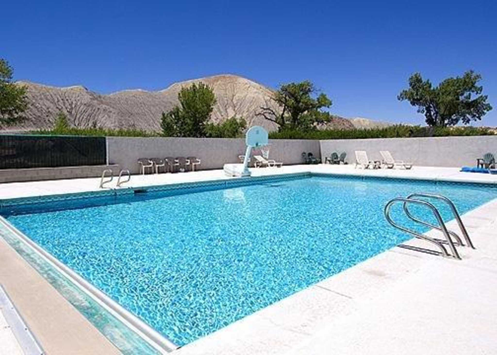 Rodeway Inn Capitol Reef Hotel In Caineville Ut Book Now