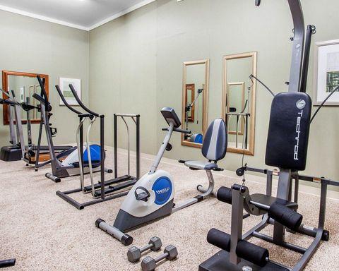 short gym couleur chair orange dining room covers quality inn hotel in okanogan wa near 12 tribes casino