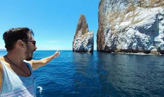 Tour to Kicker Rock Galapagos