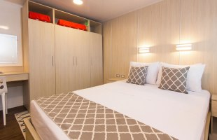 Matrimonial cabin on Solaris Yacht