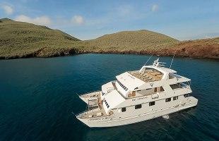 Galapagos cruise Catamaran Galapagos Seaman Journey
