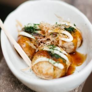 Takoyaki the octopus balls たこ焼き