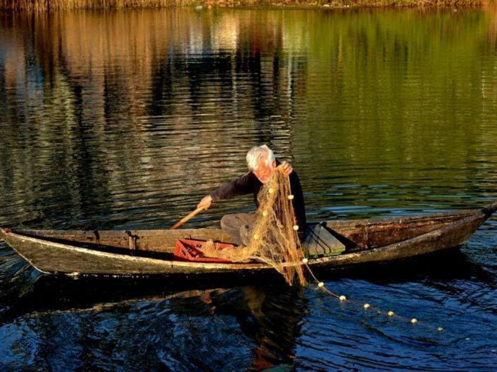 rybak w Dolinie Neretwy