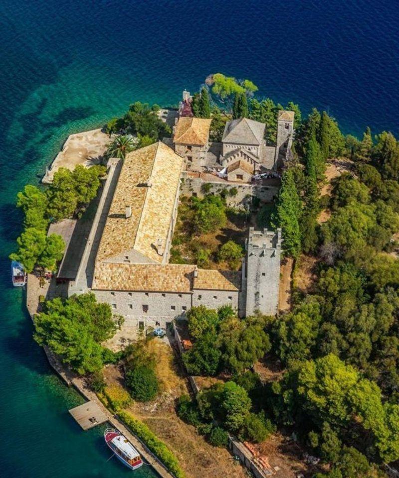 klasztor na wyspie Mljet